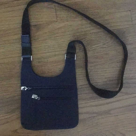 Nine West Handbags - Nine West Navy Crossbody with black strap.